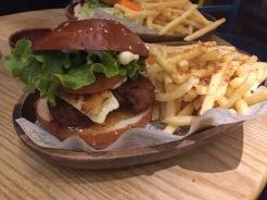 Kua'aina: Huli Falafel Burger
